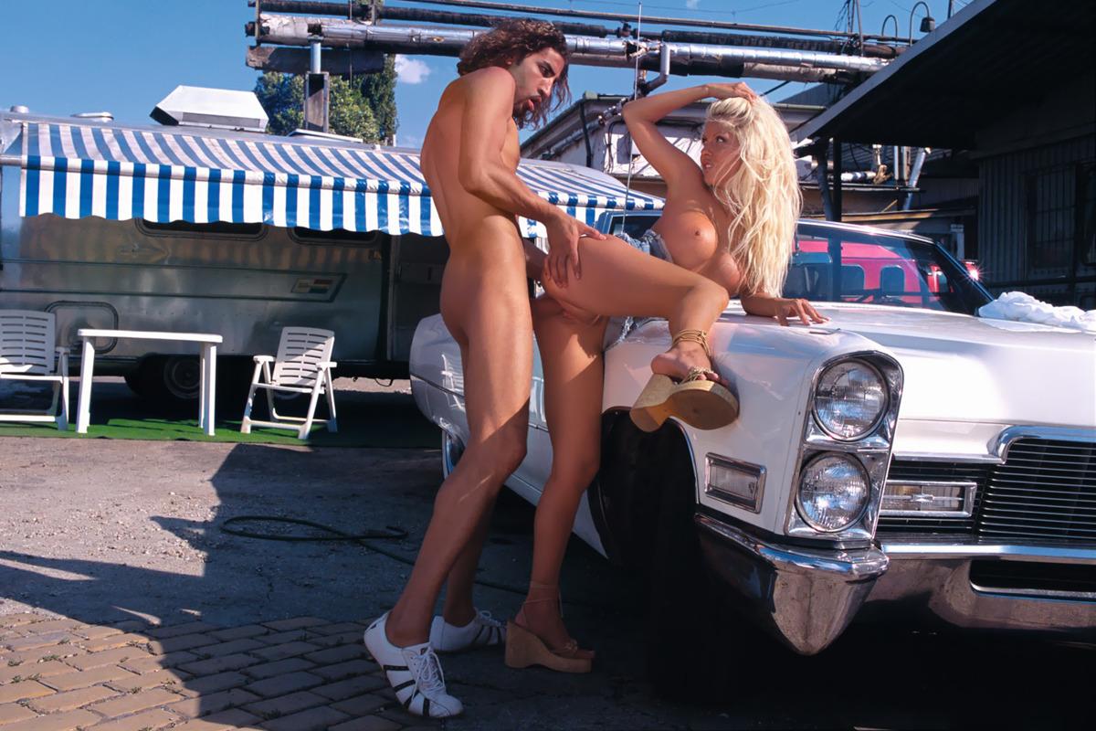Блондинки на мойке порно #15
