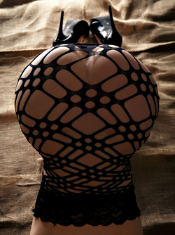 Tattooed Beauty Adriana Zet in Sexy Black Mesh and Leather Mask