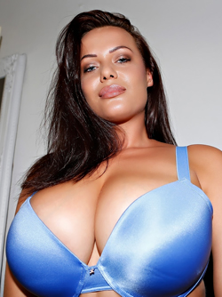 Natural Beauty with Huge Boobs Elle Faye Posing in Sexy Blue